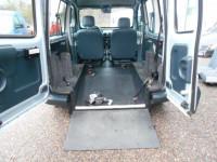 Renault Kangoo con ribassamento per disabili