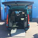 Renault Kangoo con abbassamento del pianale per trasporto disabili carrozzeria Sora.